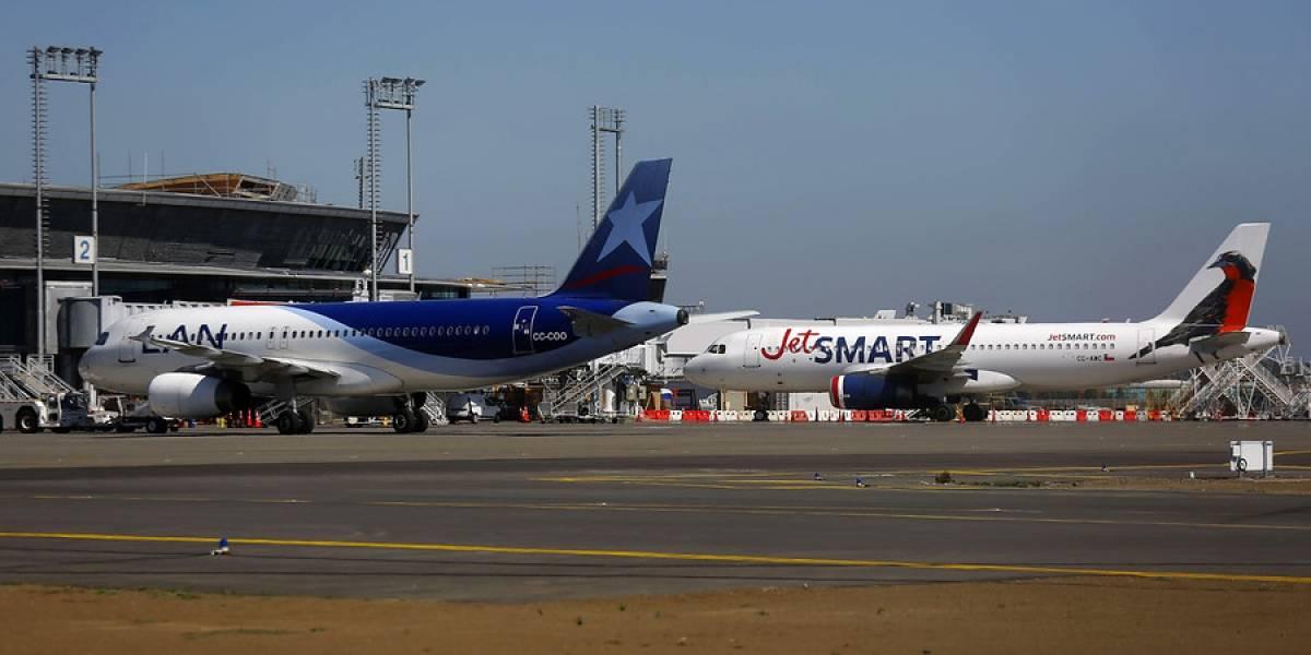 Cierran aeropuerto de Concepción por presencia de pasajero contagiado de covid-19 en sala de embarque