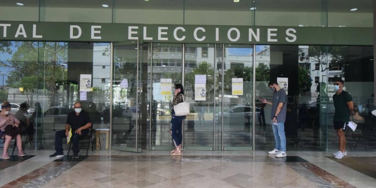 10 de 15 aspirantes a congresistas criollos consiguen los endosos