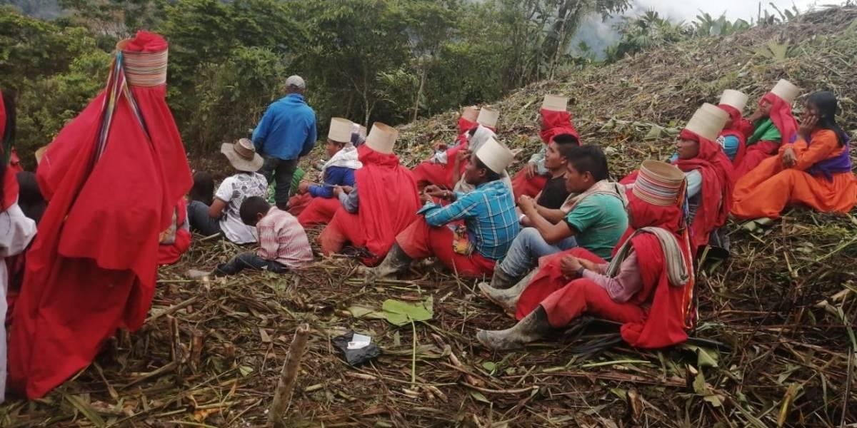 Cuerpo de indígena completa cinco días en campo minado: autoridades no lo han rescatado