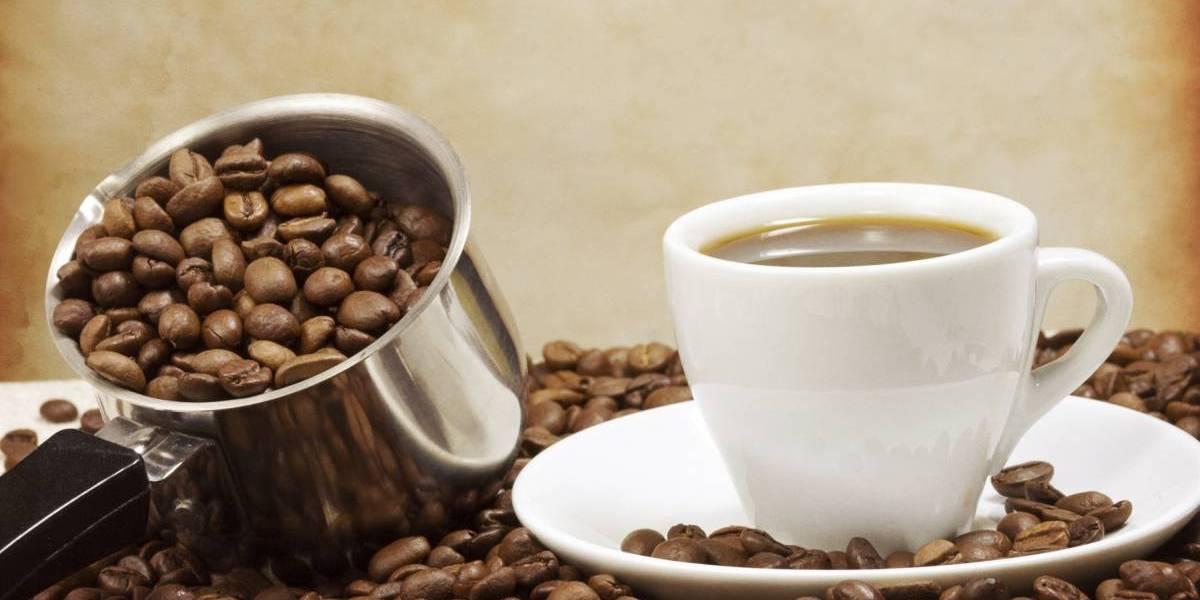 Ciencia: por qué tomar café puede causar dolores de cabeza pero también aliviarlos