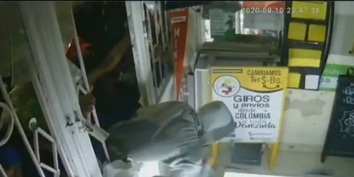 Bandas de ladrones aprovecharon las protestas en Bogotá para robar negocios