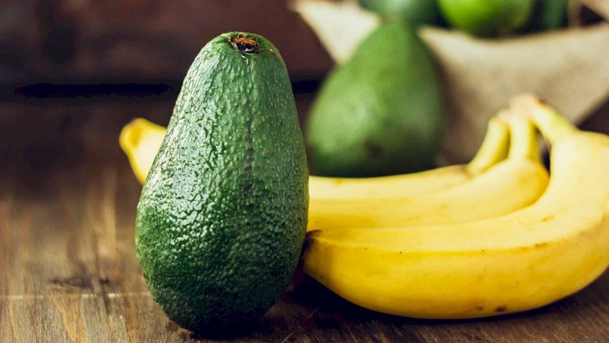 EL aguacate y el plátano tienen múltiples bondades para nuestro cabello