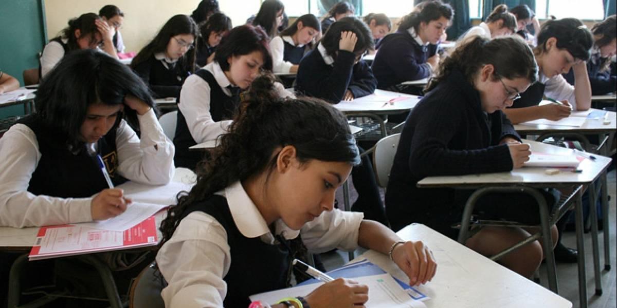 Premio para los mejores estudiantes: 222 mil jóvenes empiezan a recibir el Bono por Logro Escolar