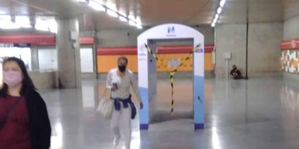 Cabines de higienização para passageiros serão retiradas de estações do metrô e CPTM em SP
