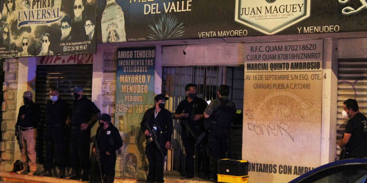 Confirman cinco muertes por alcohol adulterado en Puebla
