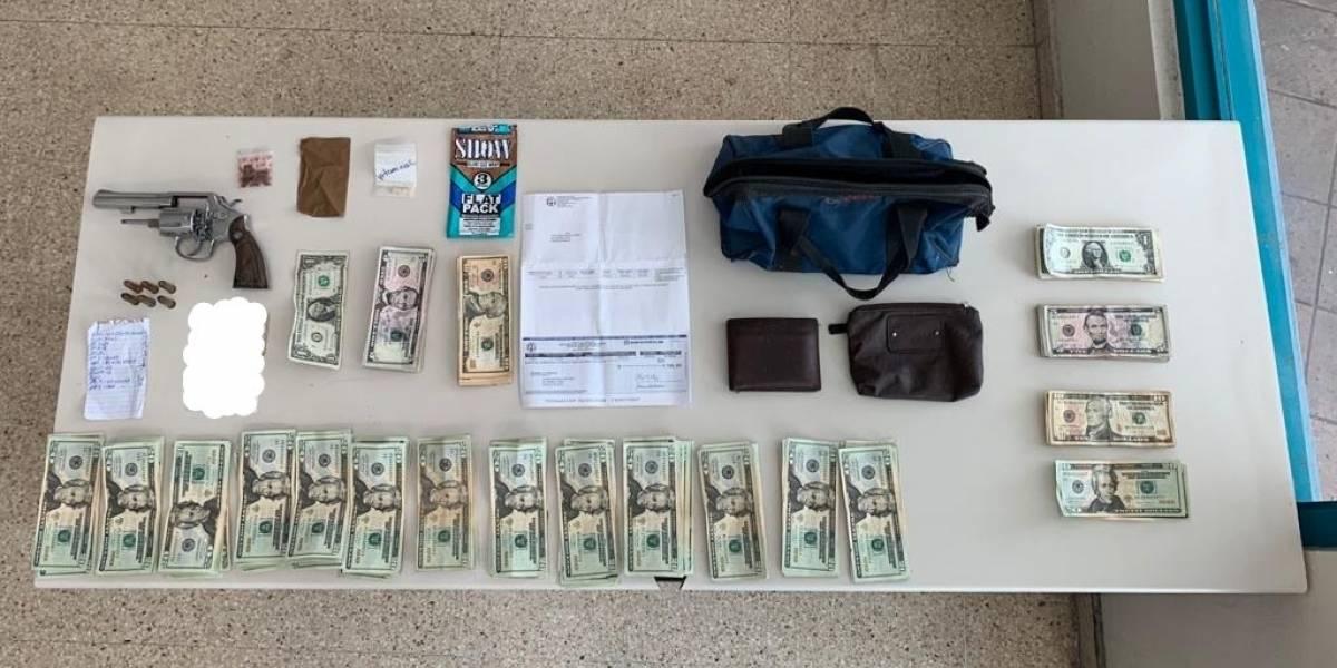 Arrestan a hombre con drogas, pistola y un cheque del PUA