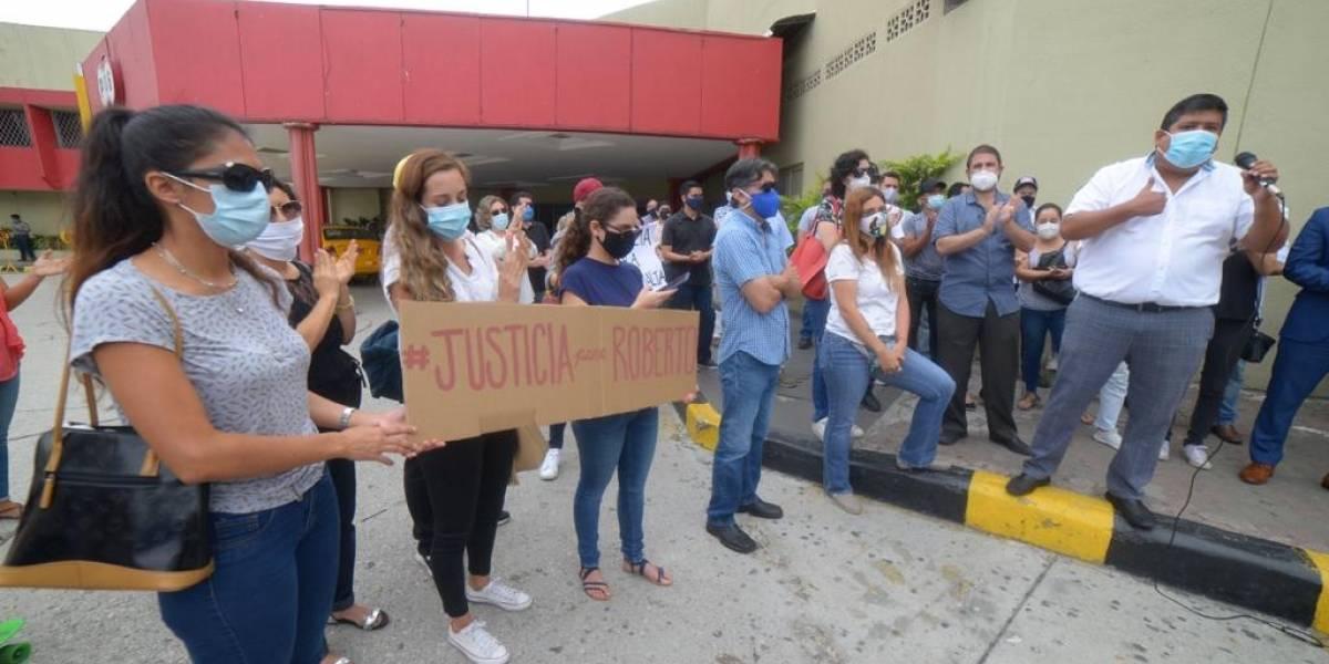 Orden de prisión para conductora por muerte de Roberto Malta en Guayaquil
