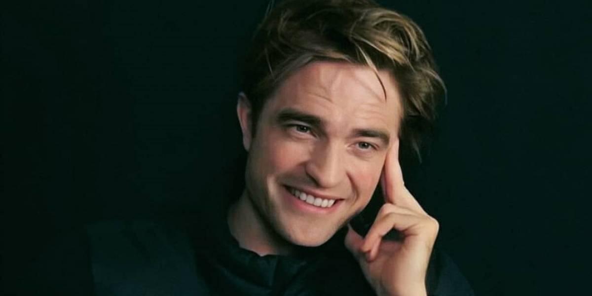 Robert Pattinson reaparece recuperado del Covid-19 en un apasionado beso con su novia en las calles de Londres