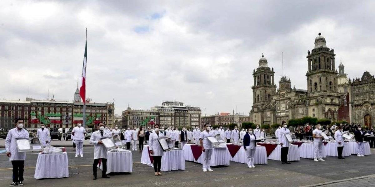 Entregan Condecoraciones 'Miguel Hidalgo' a personal de hospitales Covid-19