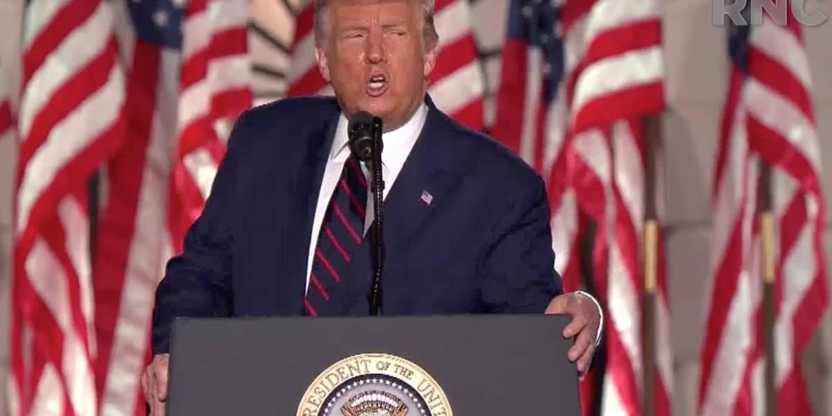 """Coronavirus.- Trump afirma que EEUU podrá empezar a distribuir la vacuna contra el coronavirus """"en octubre"""""""