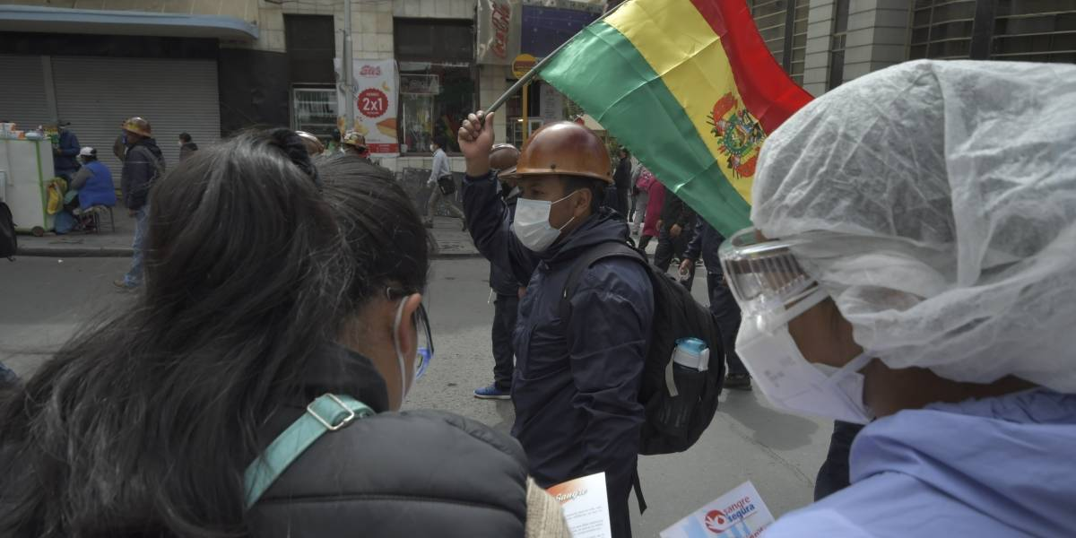 Bolivia.- El Senado de Bolivia aprueba un subsidio contra el hambre ante las objeciones de Áñez