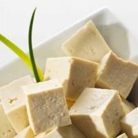 Receita: veja como fazer tofu caseiro delicioso com 3 ingredientes