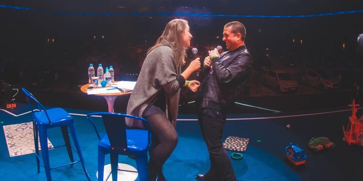 Maurício Meirelles improvisa na interação com plateia em show drive-in