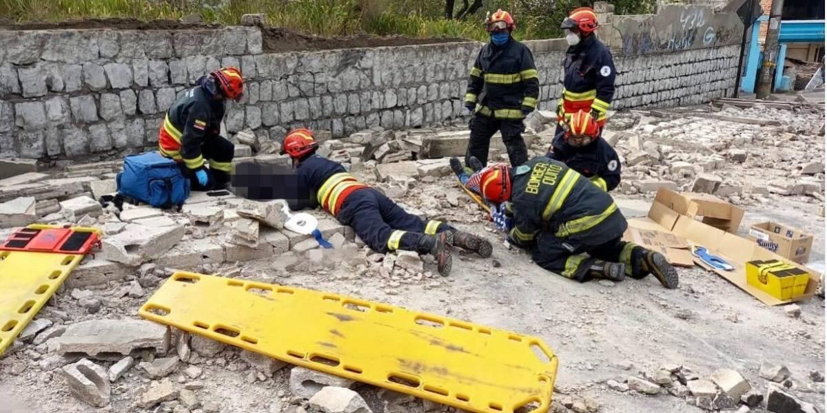 Una mujer falleció tras colapso de muro en Pomasqui