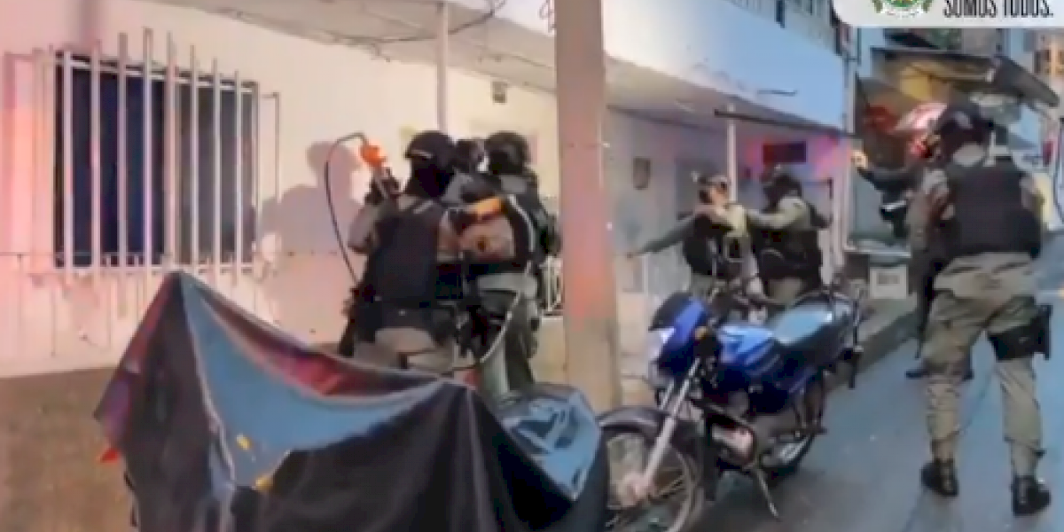 Con impresionante operativo capturaron a una mujer en Medellín solicitada por Estados Unidos