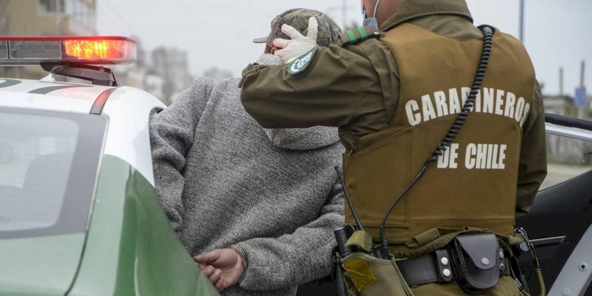 Decretan prisión preventiva para hombre que violó a su madre en Las Condes