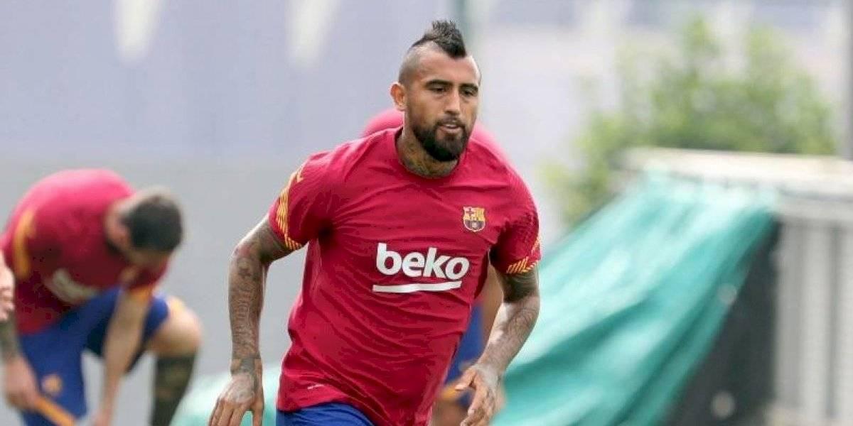 Sigue esperando su salida: Vidal vuelve a ser marginado por Koeman en Barcelona