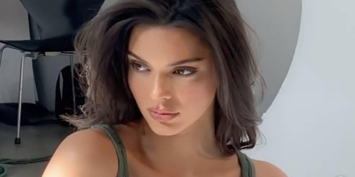 Kendall Jenner mostra seu lado street style com um macacão maravilhoso