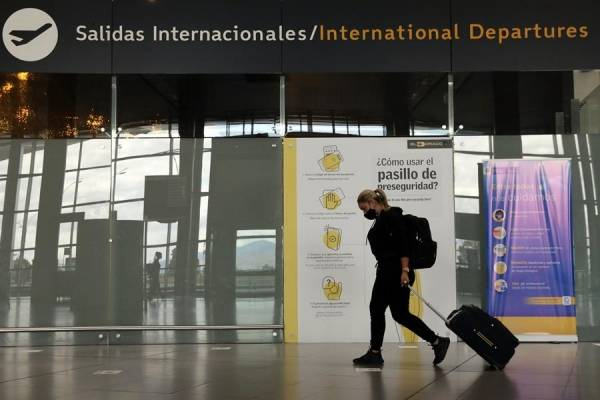 Advierten sobre nuevos casos de viajeros con COVID que llegaron a Bogotá