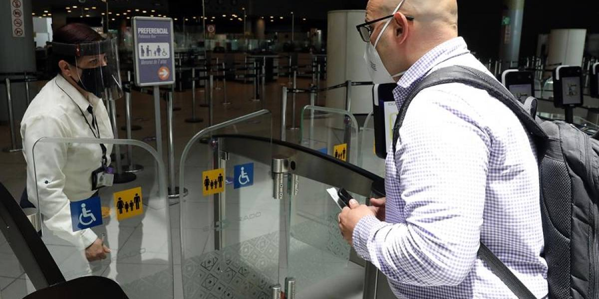 Eliminaron prueba PCR, pero pusieron otros requisitos para viajeros