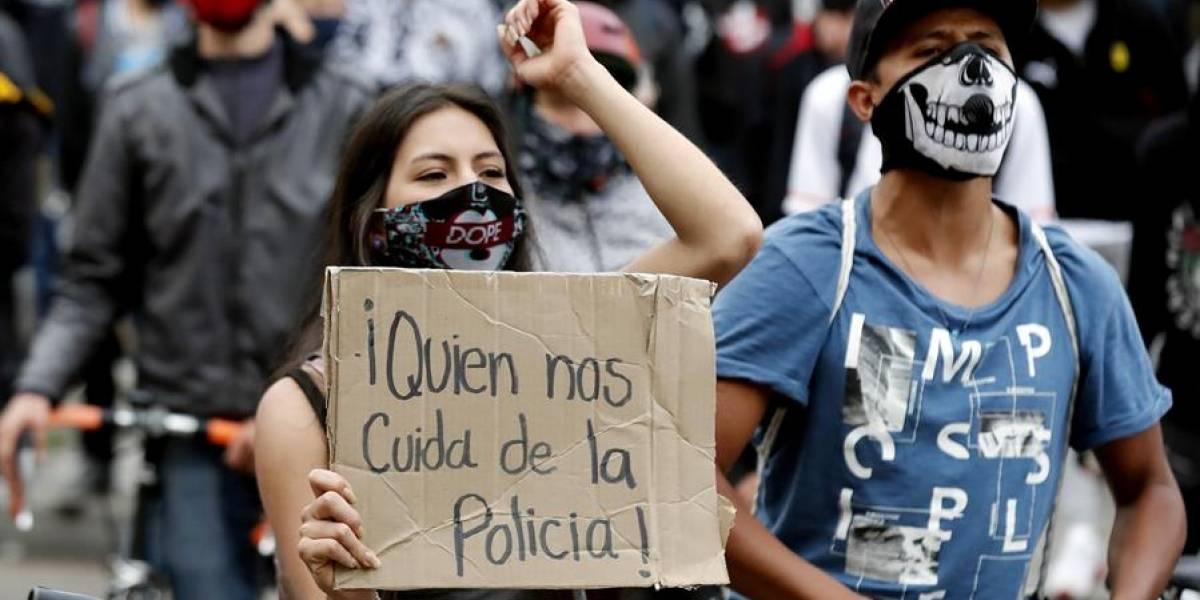 Policía dice que hay un plan de protestantes para contagiarlos de coronavirus en marchas