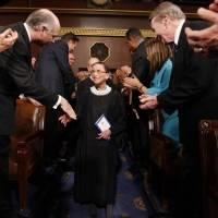 Con la muerte de la magistrada Ginsburg, qué esta en juego con el lugar que deja vacío