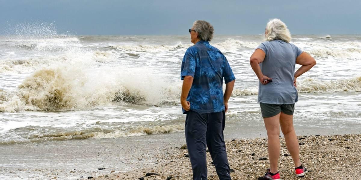 Nivel del mar aumentará cinco pies en lugares de Texas por tormenta tropical Beta