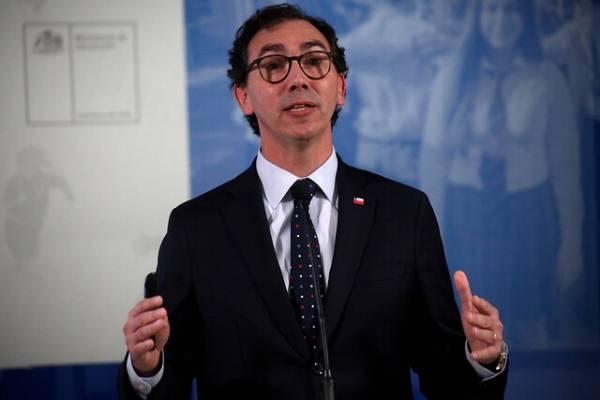 """Ministro de Educación no descarta adelantar a febrero el inicio de clases: """"Es una alternativa"""""""