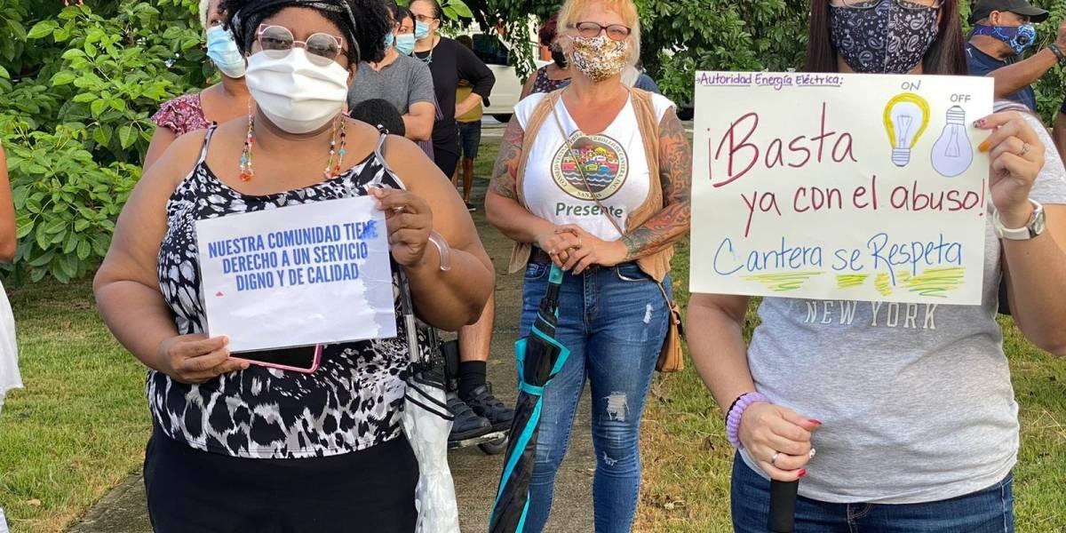 Residentes de Cantera realizan manifestación para reclamar mejor servicio de energía eléctrica