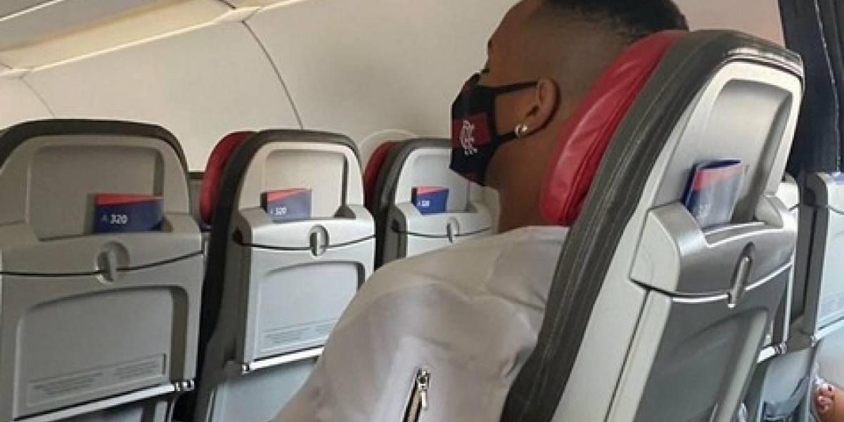 Otro problema para el Flamengo: Avión que traía a jugadores de reemplazo fue desviado por falta de permisos