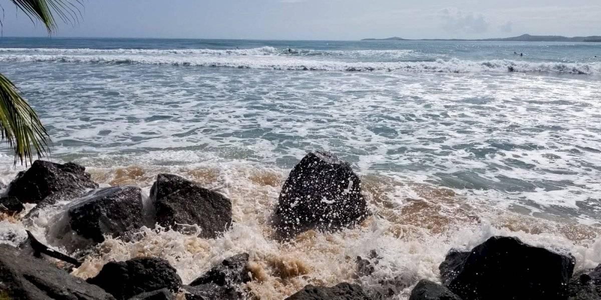 Continúan peligrosas las condiciones del mar para la costa norte de Puerto Rico