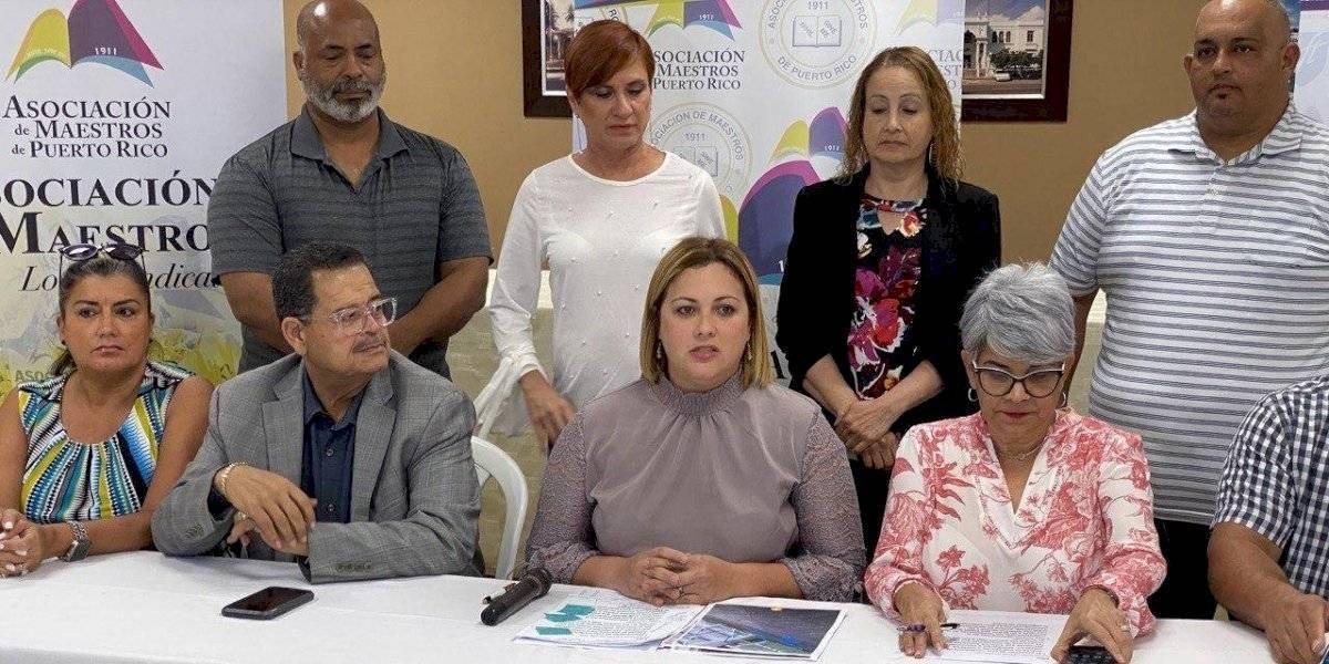 Asociación denuncia colapso del sistema de ponche de maestros