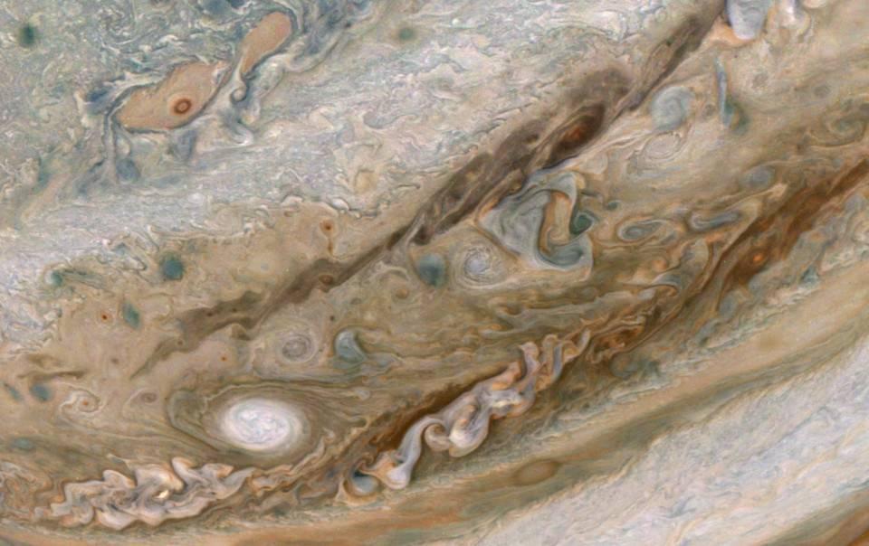 Júpiter por Juno