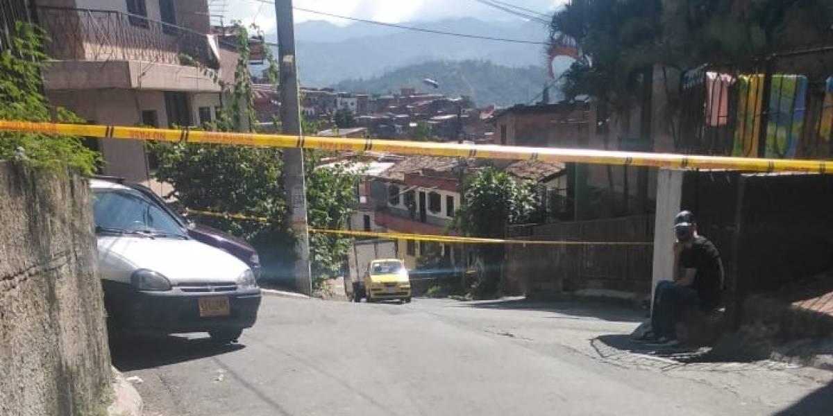 Mujer fue asesinada por un sicario en el momento en el que se bajaba de un taxi