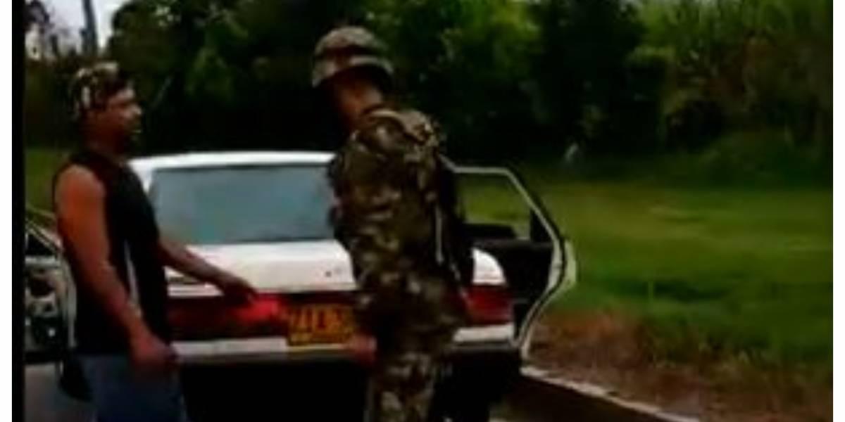 Qué estaban haciendo los civiles atacados y la mujer muerta por el Ejército