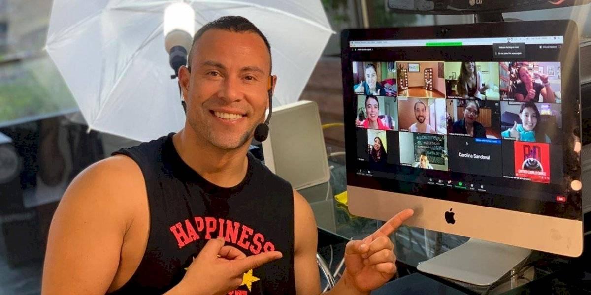 Rodrigo Díaz reinventó su academia con clases de baile y K-Pop online