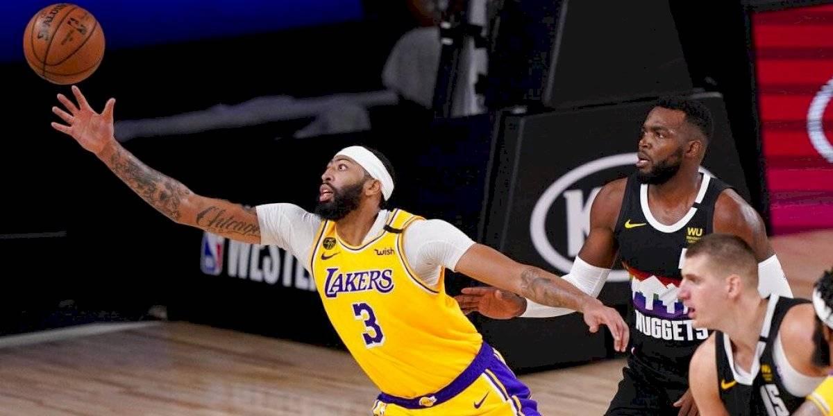 Los Lakers están a un triunfo de final de la NBA