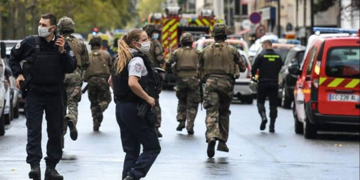 París: reportan varios heridos de arma blanca en las cercanías de la revista Charlie Hebdo