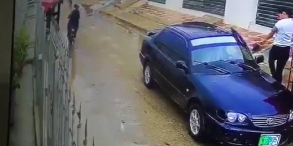 En video quedó registrado un millonario fleteo a establecimiento de giros