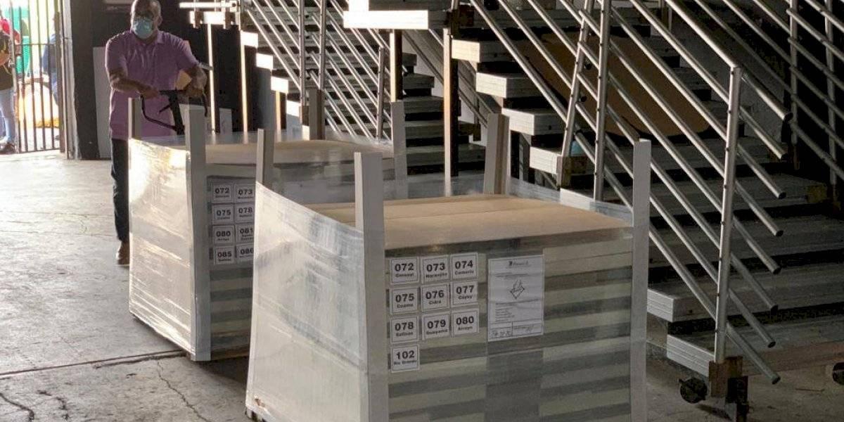 Llega primer cargamento de papeletas para las elecciones de noviembre