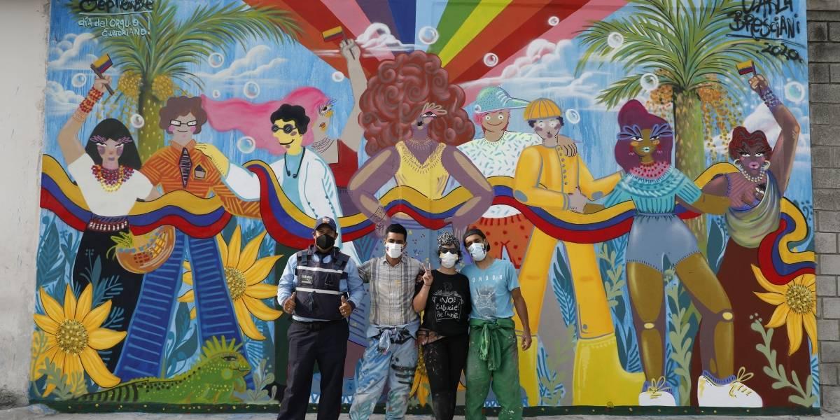 La Fabril pinta mural artístico como un homenaje a los héroes en el Día del Orgullo Ecuatoriano