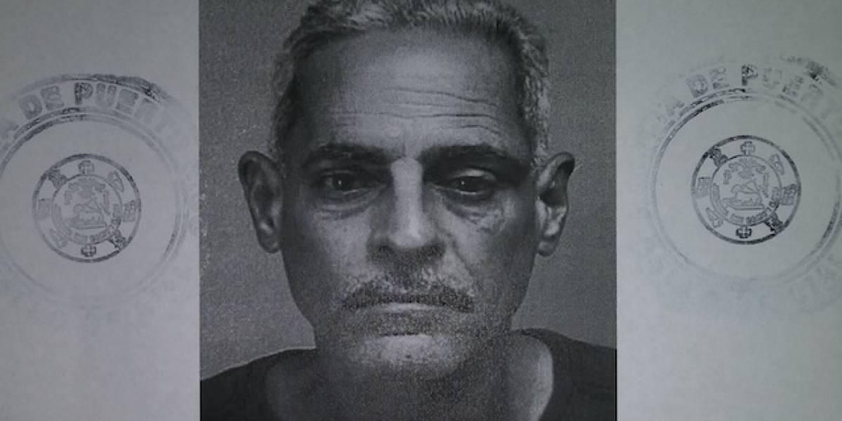 Empleado de pizzería realiza arresto civil tras forcejear y desarmar asaltante