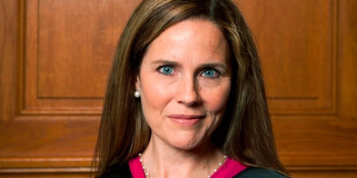 Casos de COVID-19 en Casa Blanca ponen en duda la confirmación de Barrett al Supremo