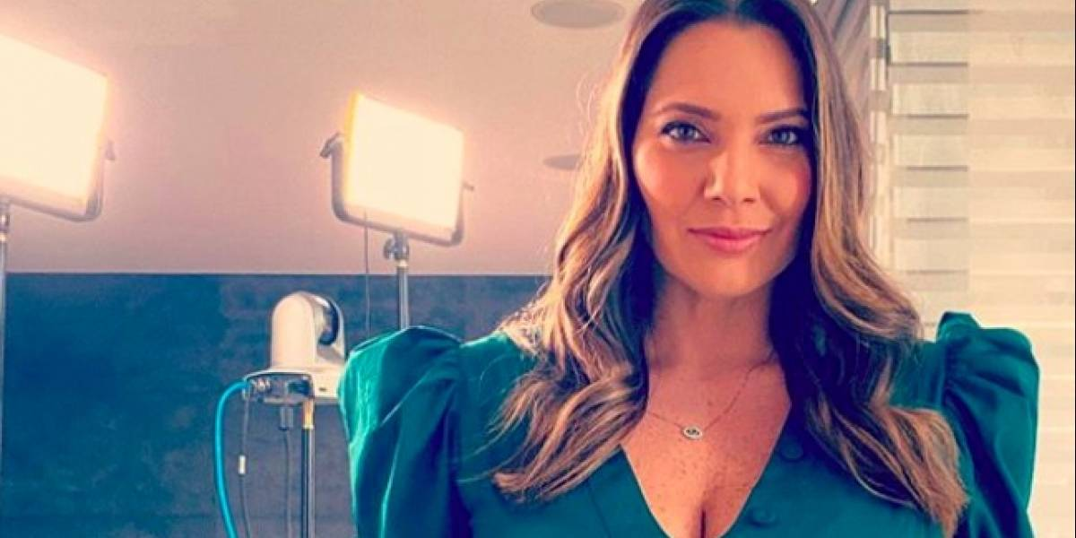 En nuevas fotos, Jessica de la Peña dejó ver su avanzado embarazo