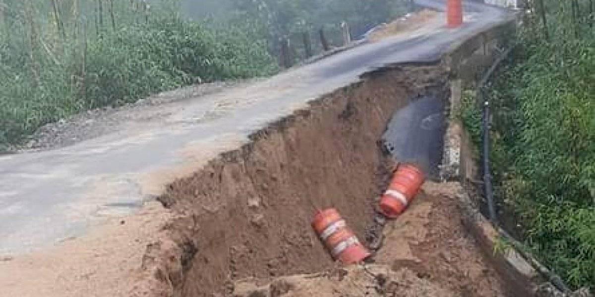 Piden se declare estado de emergencia en comunidad de Utuado por carretera colapsada