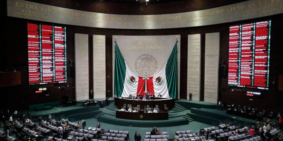 Corrigen decreto de consulta popular sobre juicio a ex presidentes