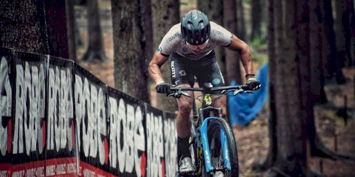 Gerardo Ulloa logra oro en Copa Mundial de ciclismo