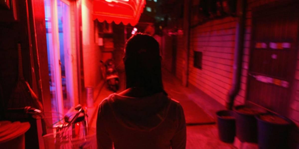 Bruselas prohíbe la prostitución para frenar al Covid-19