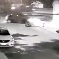 Motociclista sale disparado tras ser embestido por auto en Tlalpan