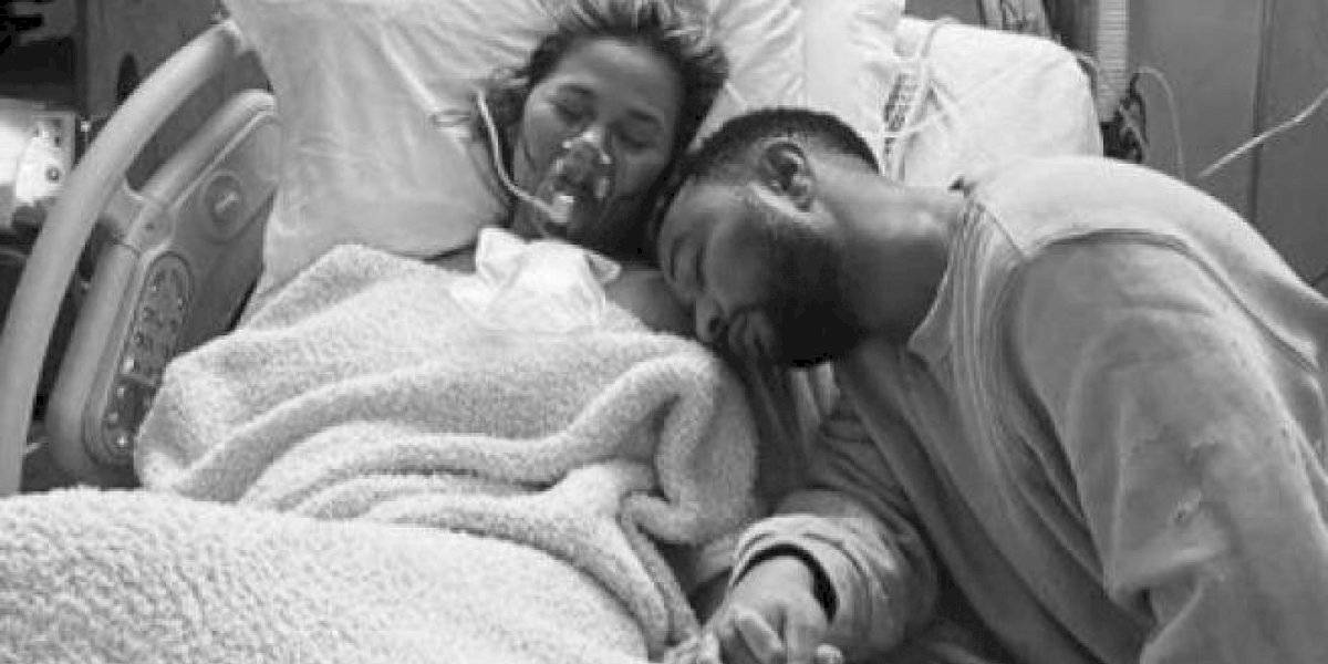 Chrissy Teigen y John Legend anuncian que perdieron al bebé que esperaban